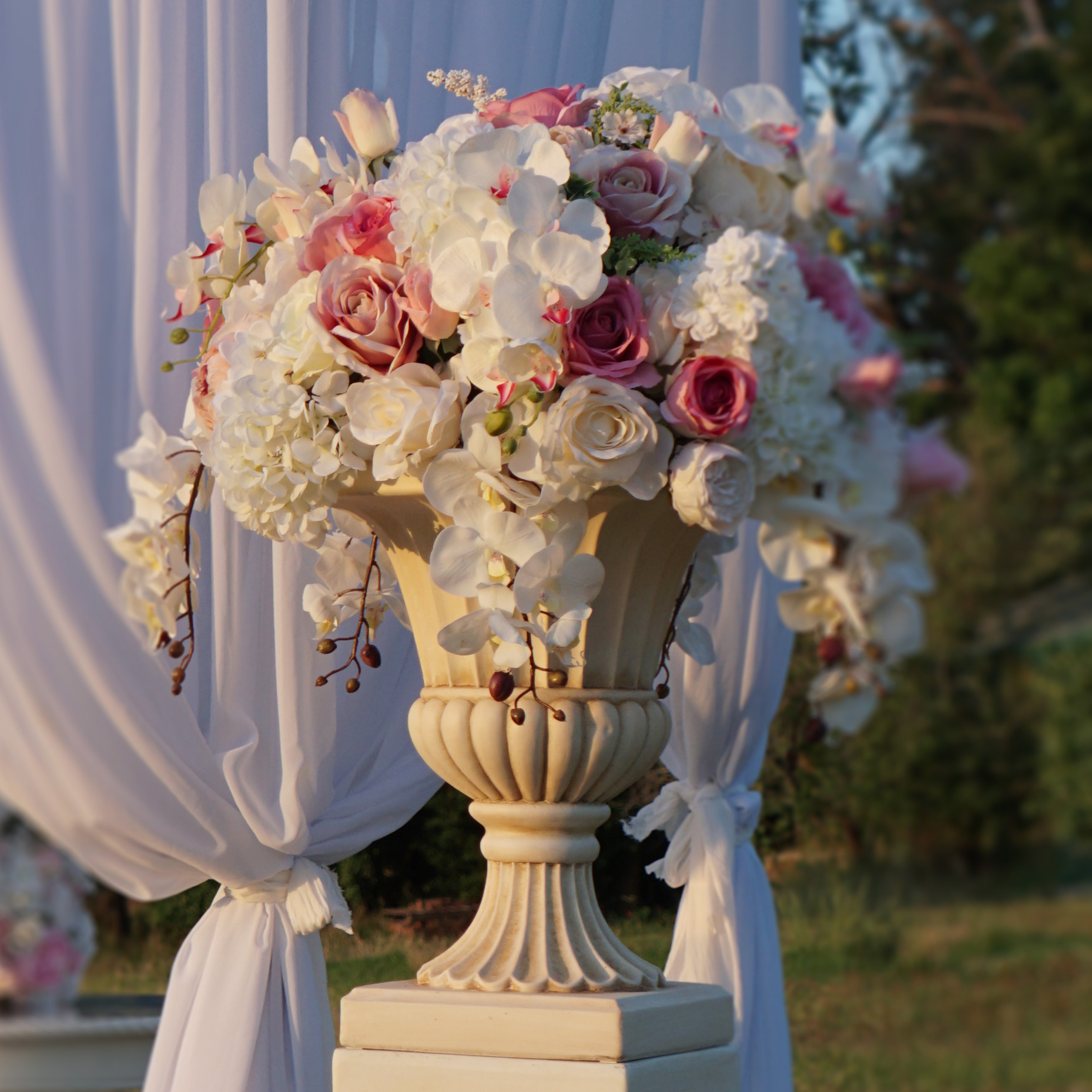 Urn And Pedestal Hire Wedding Decorations By Naz